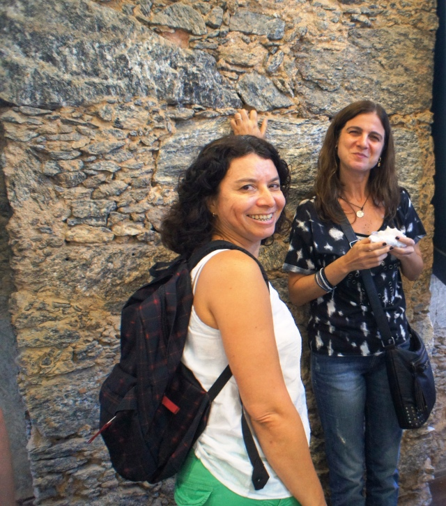 Eliane Sousa Silva, director of Redes da Maré, and Valéria Pero, researcher at IETS