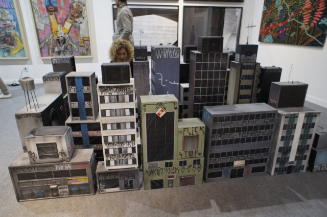A lot of concrete, in the model by the São Paulo Triplex collective