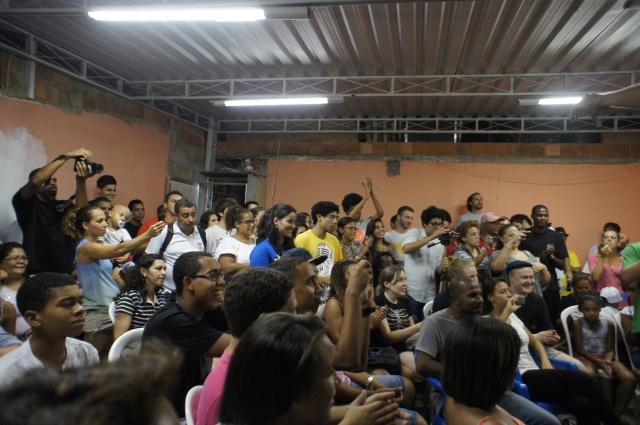 Uma multidão