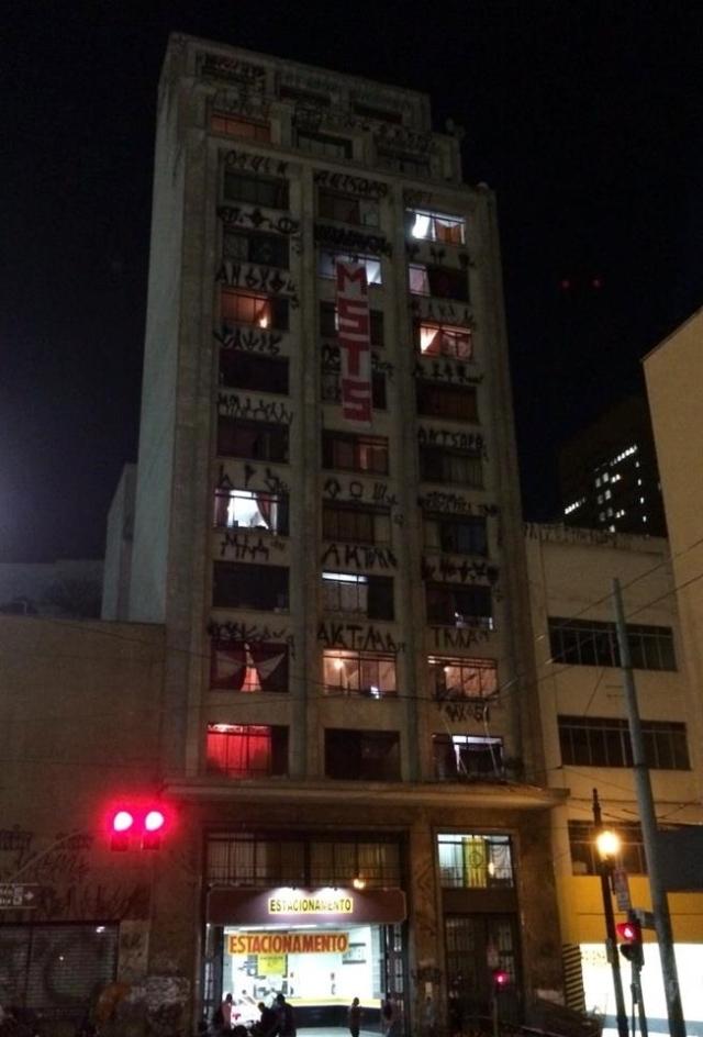 prédio ocupado em São Paulo