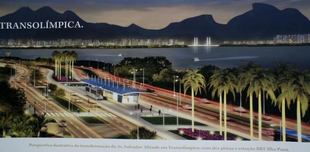 Ilha Pura, na porta de um BRT novo, ambos em construção