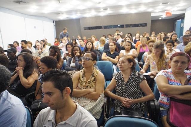 140 pessoas, entre moradores, pesquisadores, jornalistas e ativistas  tomaram parte na audiência